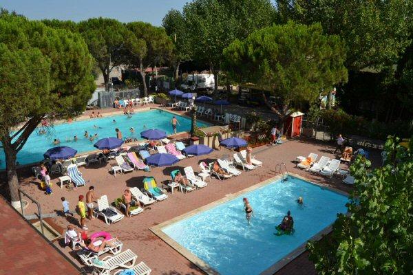Campeggi lago trasimeno con piscina - Camping con piscina ...
